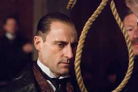 Mark Strong (Lord Blackwood)
