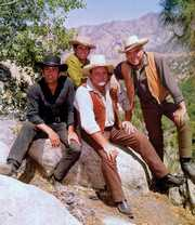 Adam (Pernell Roberts), Little Joe (Michael landon), Hoss (Dan Blocker) und Ben (Lorne Greene) - Die Cartwrights